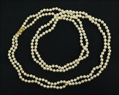 A Double Strand Cultured Pearl Necklace. Lot 165-7157