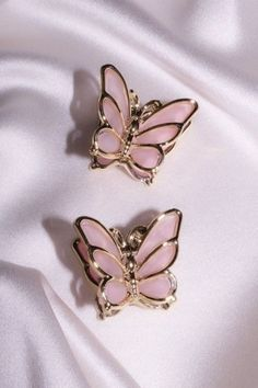 Butterfly Hair, Butterfly Kisses, Router Wifi, Custom Jewelry, Handmade Jewelry, Short African Dresses, Butterfly Wallpaper Iphone, Grunge Hair, Pink Love