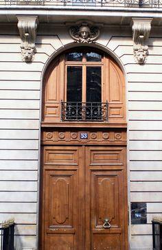 avenue Montaigne, Paris VIII #embgroup    http://www.facebook.com/EnriqueMaldonadoJr