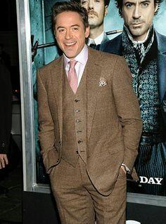 Premiere Sherlock Holmes Arrivals g8ndHsrYI9Nx.jpg 697×1,024 ...