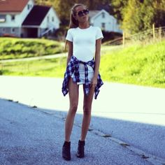 How to Chic: FASHION BLOGGER STYLE - KRISTINE ULLEBO