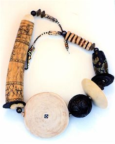 imit-ivory-necklace-disc-bone-lime-container-w-other-imit-00-1