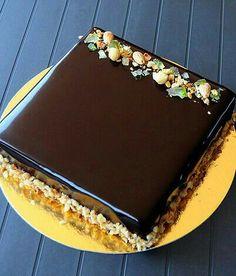 Cake Decorating Frosting, Cake Decorating Designs, Easy Cake Decorating, Cake Decorating Techniques, Chocolate Cake Designs, Chocolate Cake Recipe Easy, Baking Recipes, Cake Recipes, New Cake