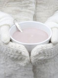 hot cocoa on a winter day. I Love Winter, Winter Day, Winter Christmas, Winter Snow, Cozy Winter, Vintage Picnic Basket, Winter Magic, Winter Beauty, Shades Of White