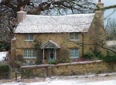 What a lovely cottage.