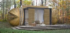 Capsule-shaped Drop XL is self-sustainable cabin for travelers