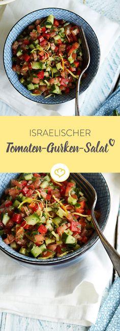 Jede Menge Petersilie, Minze und Koriander geben dem knackigen Salat seinen aromatischen Geschmack. Zitrone, Olivenöl und Gewürze sorgen für den Rest.