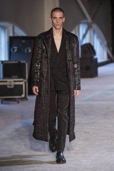 Male Fashion Trends: Maison Margiela Fall/Winter 2016/17 - Paris Fashion Week