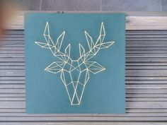 fr_tableau_en_fils_tendus_ Diy Tableau, Home Crafts, Diy And Crafts, String Art Templates, Deer Art, Geometric Decor, Create And Craft, Craft Night, Christmas Deco