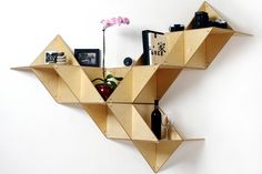 La repisa modular T. Shelf, diseñada por Jaewon Cho para J1 Studio