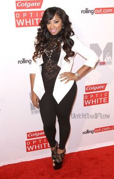 Toya...love this outfit!