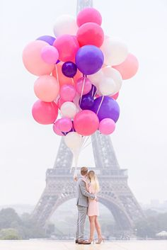 Paris photo shoot inspiration - Kiss Me In Paris Romantic Photography, Paris Photography, Event Photography, Engagement Photography, Engagement Session, Travel Photography, Paris Photoshoot, Wedding Photoshoot, Shooting Photo Paris