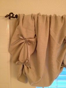 I am definitely making this for my bathroom!!!!  DIY no-sew valance tutorial. Love it!
