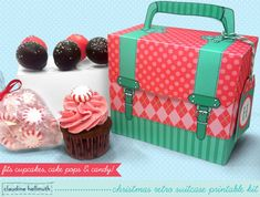 Make a Christmas treat box! This retro style suitcase printable kit holds cake pop, cupcakes, gifts and candy and comes with TWO removable cupcake tray designs - one for mini cupcakes and one for standard cupcakes AND a cake pop stand to hold 6 cake pops!