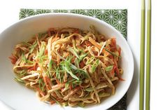 Mung beans and julienned carrot and cucumber blend easily with egg noodles coated in a creamy, nutty sauce. Vegetarian Times, Vegetarian Recipes, Healthy Cooking, Cooking Recipes, Asian Cooking, Cold Sesame Noodles, Taiwanese Cuisine, Taiwan Food, Amigurumi