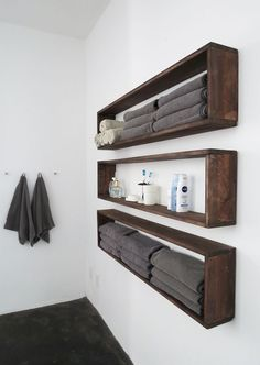 DIY bathroom decor ideas that can be made with cheap dollar stores items! These DIY bathroom decor ideas that can be made with cheap dollar stores items! These … The post DIY bathroom decor ideas that can be made with cheap dollar stores Diy Wall Shelves, Floating Shelves Diy, Rustic Shelves, Pallet Shelving, Crate Shelves, Wooden Shelves, Easy Shelves, Unique Shelves, Wooden Bathroom Shelves