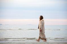When prayers go unanswered; a Watch God — A Moment With Christ Pictures Of Jesus Christ, Jesus Pics, Modern Photographers, Lds Art, New Gods, God Prayer, Light Of Life, Latter Day Saints, Christian Art