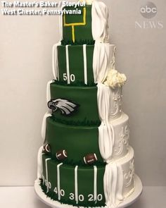 Philadelphia-area couple gets hyped for Super Bowl with wedding cake that proudly displays their love for the Eagles. Philadelphia Wedding, Philadelphia Area, Philadelphia Eagles, Swing Sets For Kids, Football Wedding, Country Wedding Cakes, Amazing Wedding Cakes, Vintage Wedding Invitations, Green Wedding