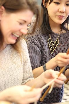 Stitch & Story Beginner workshop knitting in London, all you need to DIY, happy knitting