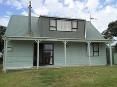 Wellington - Wairarapa/Kapiti Coast/Te Horo Beach holiday home rental accommodation - Seagull Cottage - Te Horo Beach Bach