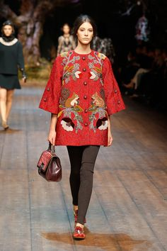 Dolce & Gabbana Woman Catwalk Photo Gallery – Fashion Show Fall Winter 2014 2015