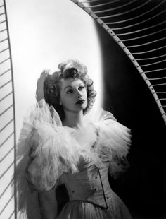 1939: Dressed up in tulle for a portrait by Laszlo Willinger.