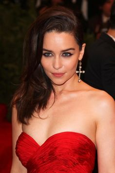 Emilia Clarke as Samantha Kane