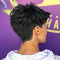 Modern short haircut trends for Find best style for yo.- Modern short haircut trends for Find best style for you and make you own. There are great haircuts in Do not miss this summer without new hair. Short Pixie Haircuts, Cute Hairstyles For Short Hair, Pixie Hairstyles, Curly Hair Styles, Pixie Styles, Bob Haircuts, Pixie Haircut Styles, Short Pixie Bob, Casual Hairstyles