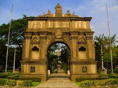 El Arco de los Siglos de Manila - http://www.absolutfilipinas.com/el-arco-de-los-siglos-de-manila/