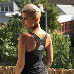 """930 Likes, 4 Comments - Pixie Short Hair is DOPE #AF (@pixiepalooza) on Instagram: """"Short hair Dont Care Thank you for wearing our Tank Tops @jejojejo87 and showing what is on the…"""""""