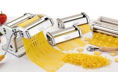 NUDELMASCHINE >MULTIPAST<, produced by MARCATO, geeignet für Lasagne, Fettuccine & Tagliolini. Geeignet für Motor. Set bestehend aus: Nudelmaschine ATLAS, Aufsätze für Raviolini, Spaghetti & Reginette.