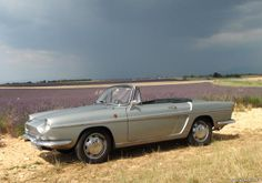 Renault - Caravelle 1962 My dad had one when I was young. What memories!!