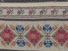 This Pin was discovered by Neş Cross Stitch Borders, Cross Stitching, Cross Stitch Patterns, Folk Embroidery, Bargello, Save Yourself, Bohemian Rug, Diy And Crafts, Projects To Try
