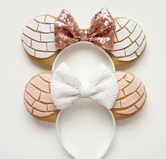 You can choose between a white, pink, or chocolate concha. If you dont see a bow color youd like just ask ; ) Headbands fit from toddler to adult. Also available in youth size or Mama and Lil Mouse sets. Disney Diy, Diy Disney Ears, Disney Mickey Ears, Disney Crafts, Cute Disney, Disney Headbands, Ear Headbands, Disneyland Ears, Cute Mickey Mouse