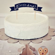 Love the little cake topper. Would be just as easy to make with card stock and toothpicks.