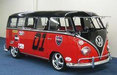 1967 Volkswagen bus used in films      :-{b>