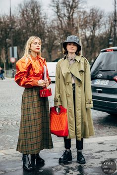Paris FW 2019 Street Style: Courtney Trop and Reese Blutstein - STYLE DU MONDE | Street Style Street Fashion Photos Courtney Trop and Reese Blutstein