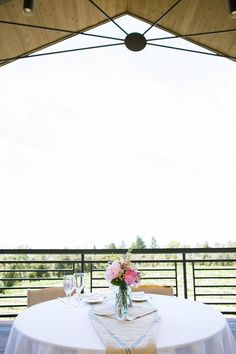 wedding table at Thomas Fogarty Winery