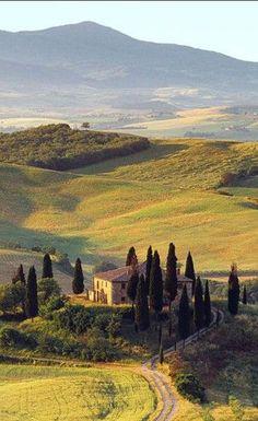San Gignamo - Toscana - Itália 🇮🇹 Villa I Pini near the medieval town of San Gimignano in Tuscany, Italy. Dream Vacations, Vacation Spots, Italy Vacation, Vacation Deals, Italy Trip, Vacation Packages, Places To Travel, Places To See, Tourist Places