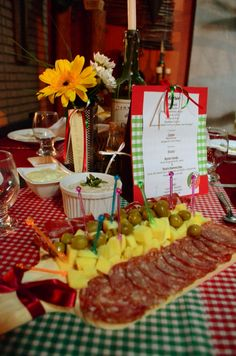 Italian Dinner Table Decoration - Antipasto & italian themed party supples   Why the table decoration at ...