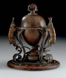 AN AMERICAN COPPER AND SILVER EGG CODDLER  - rabbits and eggs, I wonder why?