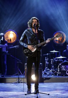 Hozier on Graham Norton Show Series 12 Episode Photo: Jonathan Brady/PA Wire Music Love, My Music, Norton Show, Take Me To Church, Hindu Festivals, Music Composers, On Repeat, My Tumblr, Beautiful Soul