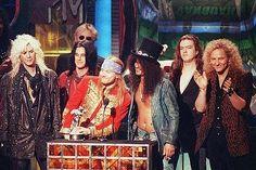 Guns N' Roses vuelve a los escenarios en 2016 con su formación clásica