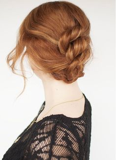 This Easy Knotted Hairstyle is both easy and office-appropriate.