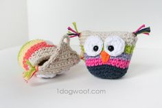 A nice 'quickie' to hook when in need of rest from big projects - One Dog Woof: Crochet Owl Pouch.  Free Pattern!
