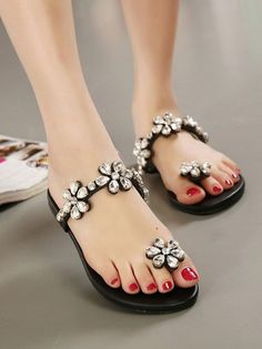 Flower decoration very trendy flat flop-toe slipper . Rhines… – Shoes World Toe Ring Sandals, Shoes Flats Sandals, Girls Sandals, Girls Shoes, Women Sandals, Fashion Slippers, Fashion Shoes, Cute Shoes, Me Too Shoes