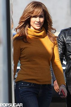 All Covered Up Jennifer Lopez wore a turtleneck on the set of her new movie, The Boy Next Door, in LA on Sunday. Haircuts For Long Hair, Long Hair Cuts, Hairstyles With Bangs, Summer Hairstyles, Pretty Hairstyles, Long Hair Styles, Bangs Hairstyle, Bangs And Glasses, J Lo Fashion