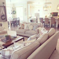 Unique 100+ Stunning Rustic Living Room Design Ideas https://decorspace.net/100-stunning-rustic-living-room-design-ideas/