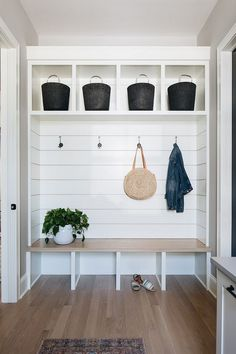 Shiplap Mudroom Wall The mudroom features shiplap and custom cabinetry with White Oak seat Shiplap Mudroom Wall Shiplap Mudroom Wall Shiplap Mudroom … – Laundry Room Modern Farmhouse Interiors, Farmhouse Homes, Interior Design Farmhouse, Industrial Farmhouse Decor, Farmhouse Ideas, Industrial Furniture, Farmhouse Style, Quinta Interior, Mudroom Laundry Room