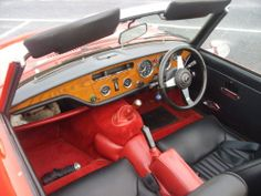 Triumph Spitfire 1500.  Hey, the steering wheel is confused!